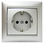 На фотографии Арт.: 770121 Розетка электрическая с заземлением + шторки Valena (алюминий) : интернет-магазин Elmar Украина